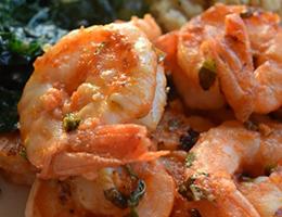 Sopa de camarão com carne